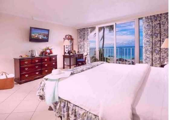 One-Bedroom-Ocean-Front-Suite
