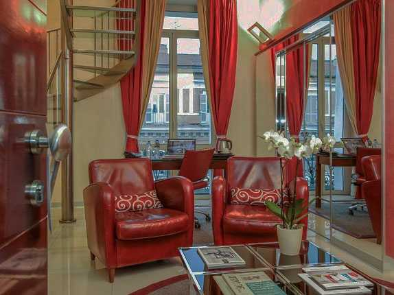 Best pricing and highest ratting hotels near the Rome in Italy where to stay in La Griffe Roma - MGallery by Sofitel