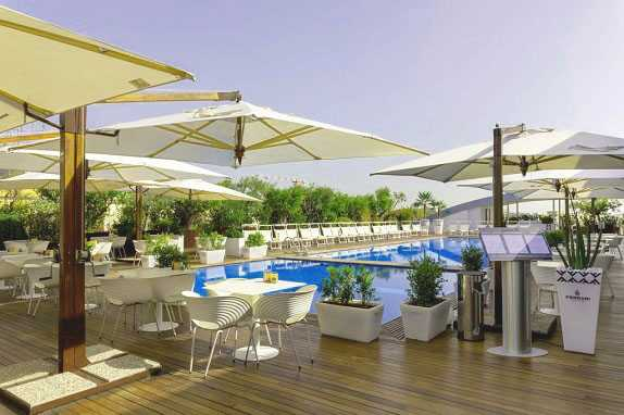 Best pricing and highest ratting hotels near the Rome in Italy where to stay in Radisson Blu es. Hotel, Roma